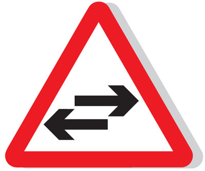 Reflective Road traffic signs - 600 mm two way traffic CLASS 1 sign