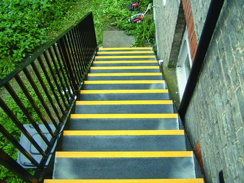 55 x 750 x 240 mm black & yellow stair tread