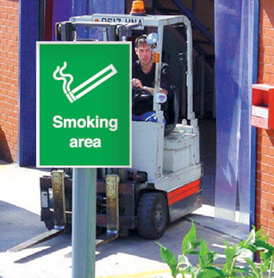 UK smoking signs - 400 x 300 mm smoking area labels post mounted aluminium 3 mm