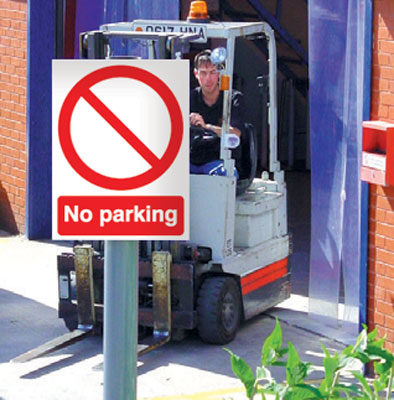 400 x 300 mm no parking aluminium sign with channel on back.