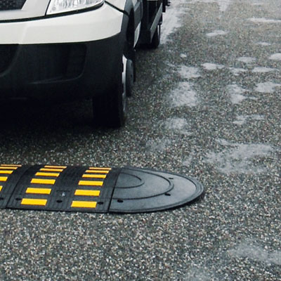 Large modular speed hump end cap pair