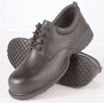 Safety footwear - Commander anti-slip shoes 10
