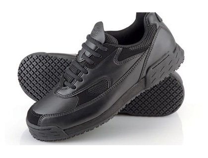 Safety footwear - Pro classic mens anti-slip trainers 10