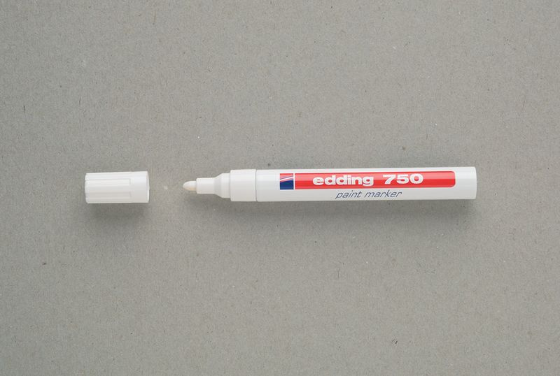 Broad Nibbed Paint Marker White Paint