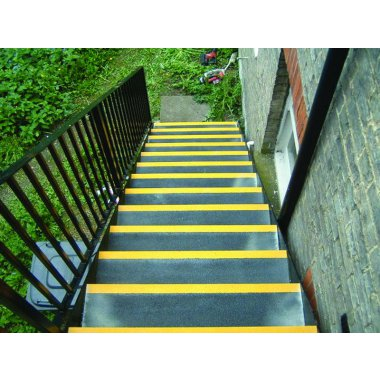 55 x 750 x 240 mm Black And Yellow Low Stair Tread For Stairs
