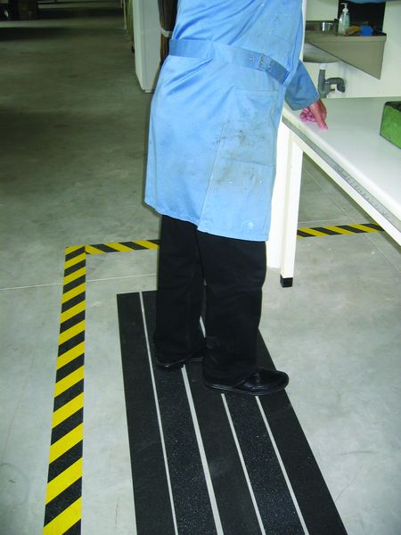 Anti-Slip Course Tape Black 25 mm x 18M Anti Slip Tapes