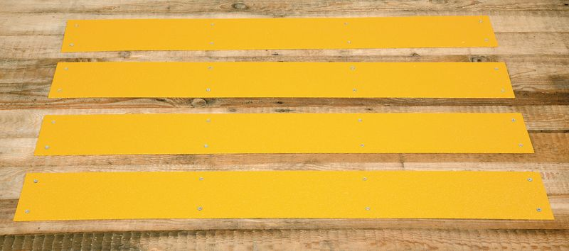 Anti-Slip Cleat 120 x 950 mm Yellow Low